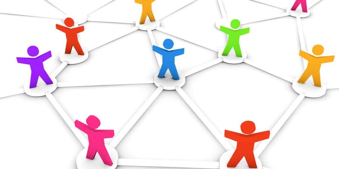 kết nối các cá nhân nổi tiếng khác là cách tạo thương hiệu cá nhân bền vững và hiệu quả